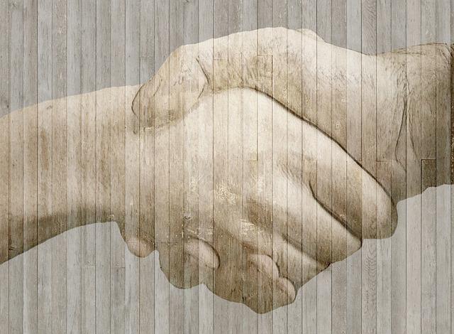handshake-584096_640